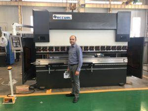 Иран Клијент Тестинг Мацхине у нашој фабрици 1