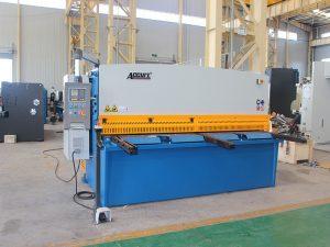 хидраулична машина за сјечење са свингом