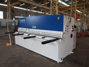 висока прецизност резања КЦ12И 4к2500 машина за сечење лимова челичне плоче хидрауличне шкаре
